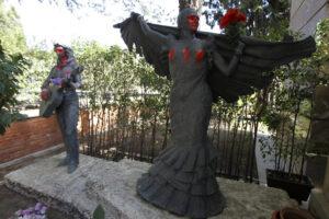 Estatuas de cementerio