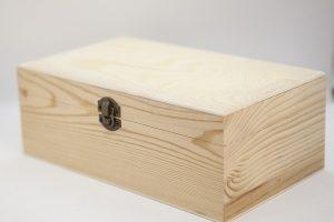 Caja de madera tipo cofre