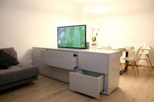 Mueble tv automatizado